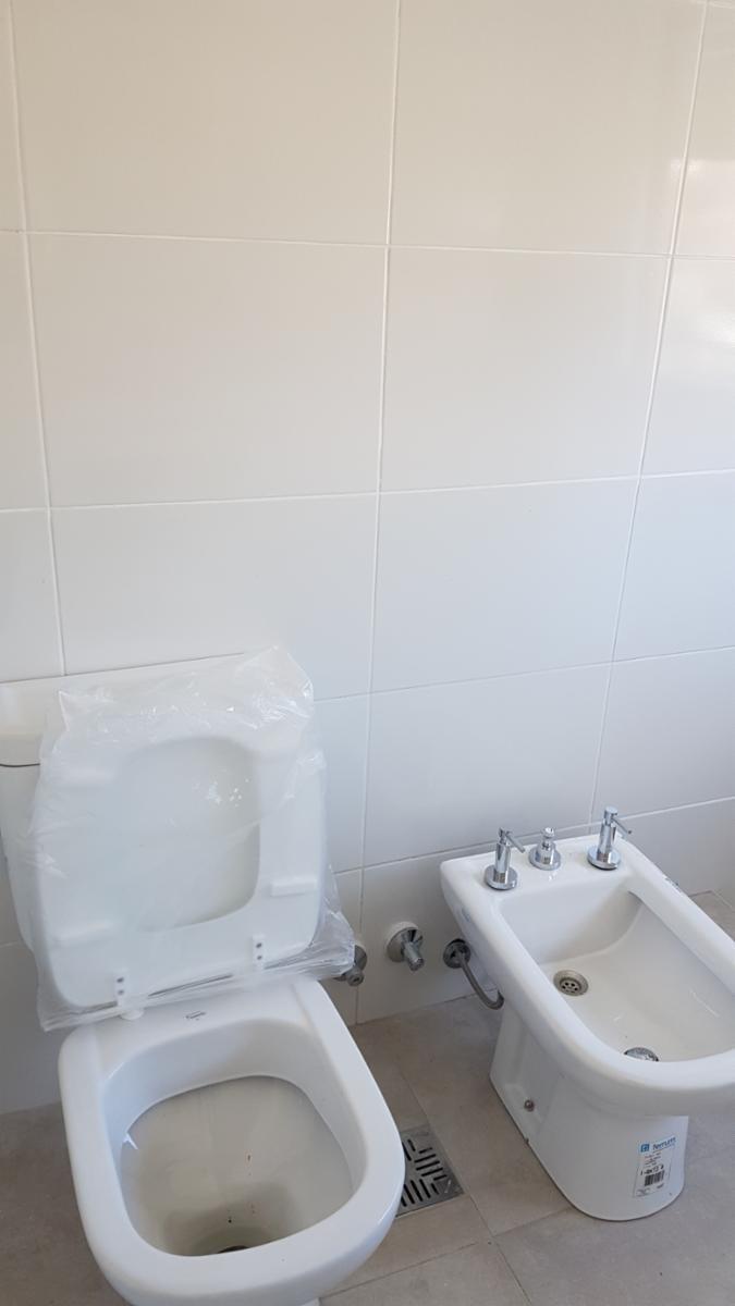 a estrenar - casa multifamiliar - 5 amb 2 baños - cochera