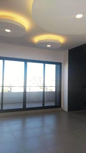 a estrenar de 4 ambientes con cochera y balcón al frente