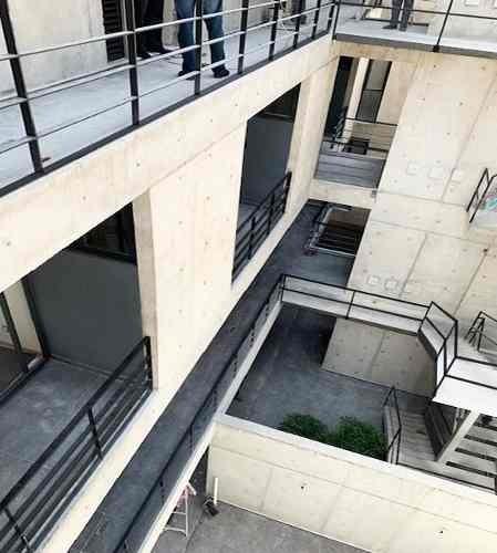 a estrenar ph con balcón y terraza, lujo