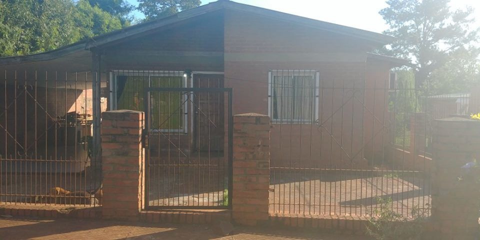 a la venta casa + departamentos en wanda misiones