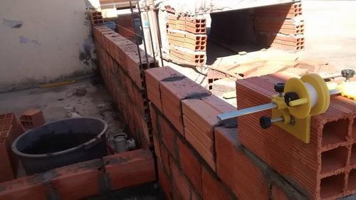 a linha certo p/ pedreiro (original) - alinhador de tijolos