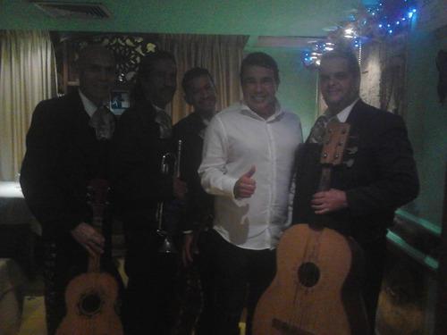 a mariachi a mariacis a monterrey con el show de juanga