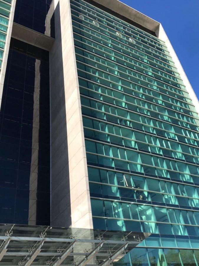 a metros del alto rosario shopping - edificio de categoría!!
