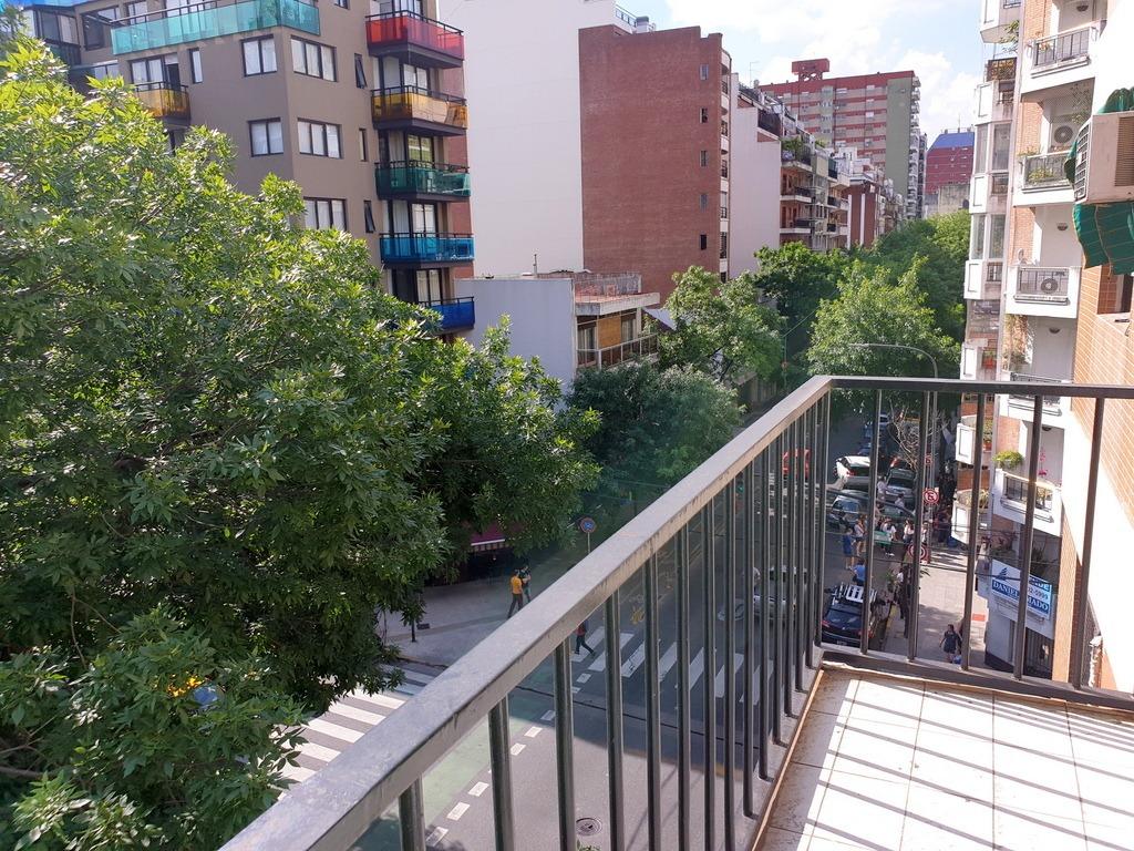 a mts pque rivadavia 3 amb de 83 m2 coc y com diario, balcón