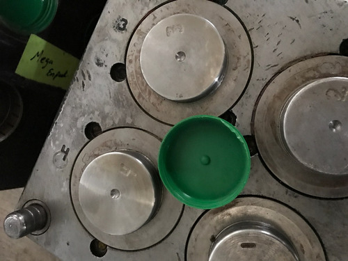 a negociar molde para inyección de plástico tapa de garrafon