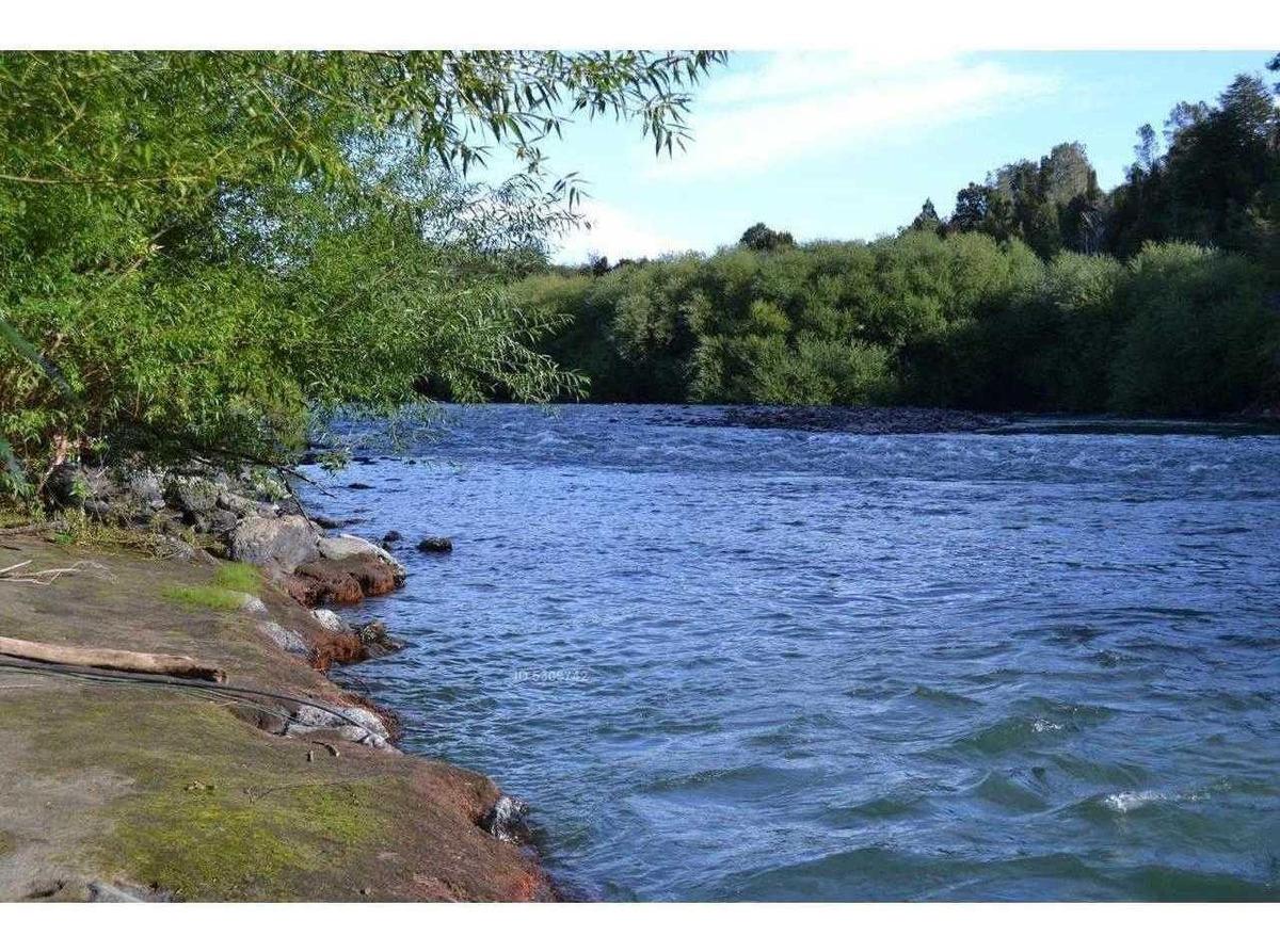 a orilla de río trancura, sector quilaco