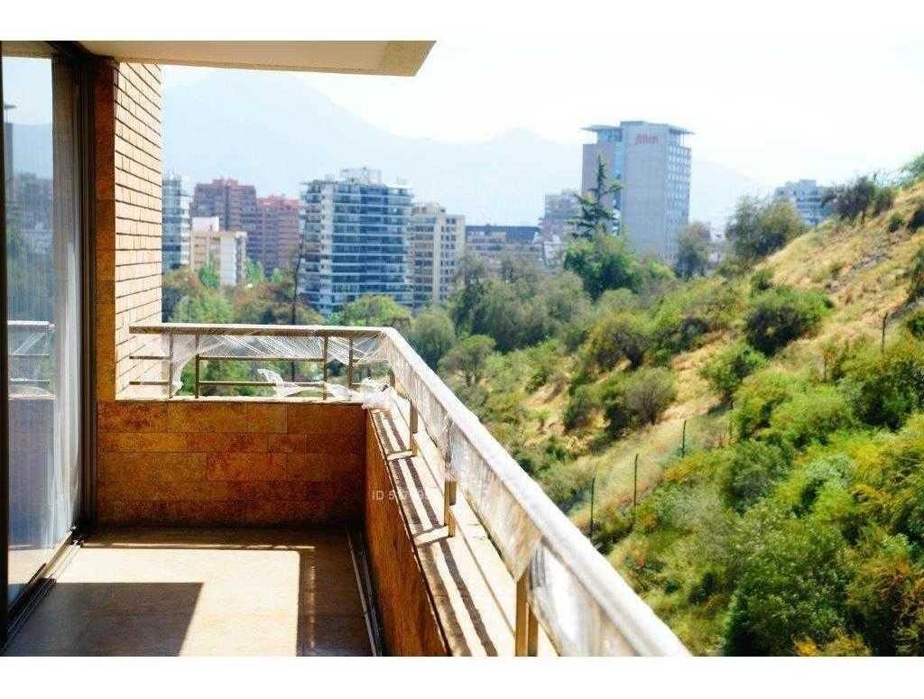 a pasos parque bicentenario / / excelente conectividad / / mall costanera center / / sin ruido
