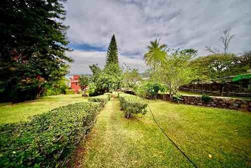 a pie del lago, jardín de 2,000 m2