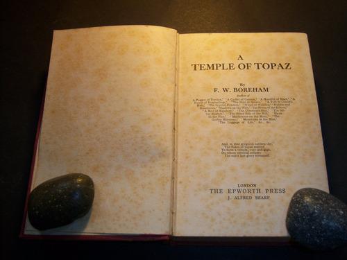 a temple of topaz. f w boreham . en inglés
