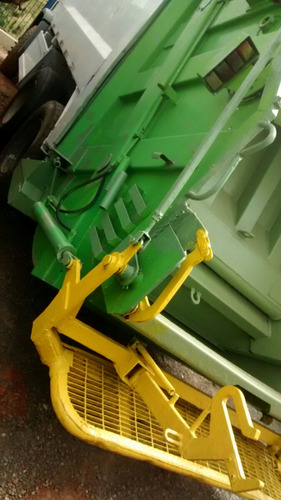 a venda caminhão compctador de lixo volkswagen vw 17250 2009