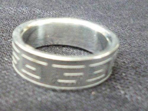 aa206 hermoso anillo de acero
