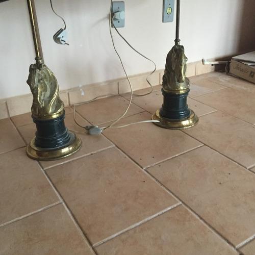 abajur de ferro e bronze antigo.