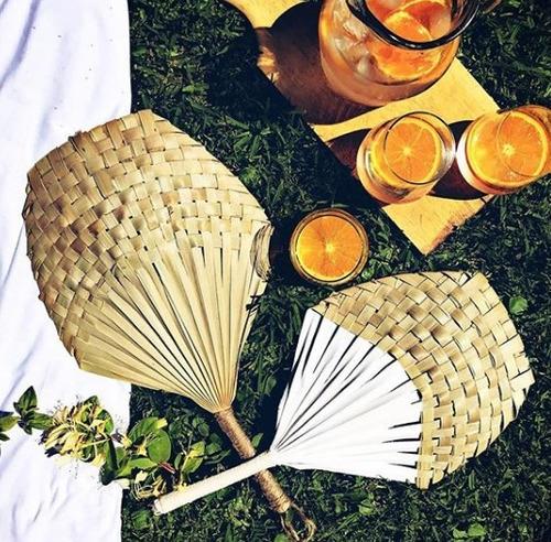abanicos de palma para para uso o decoración