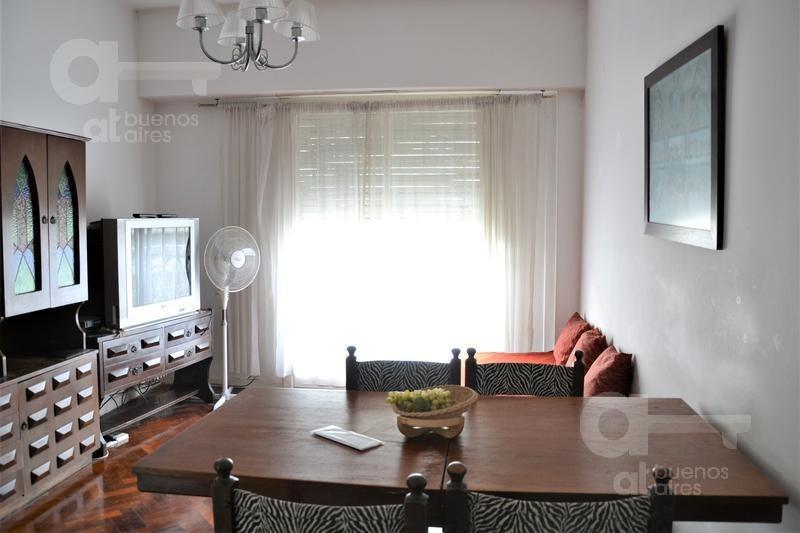 abasto. departamento 2 ambientes con balcón. alquiler temporario sin garantías.