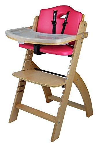 abiie más allá de la silla alta de madera con bandeja. la
