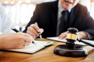 abogado, asesoría jurídica y elaboración de documentos