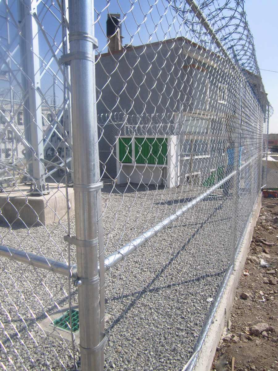 Abrazadera de broche de tencion para cercas y mallas 2 for Malla de construccion