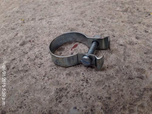 abrazadera para cubre cadena / guarda cadena. cualquier rod.