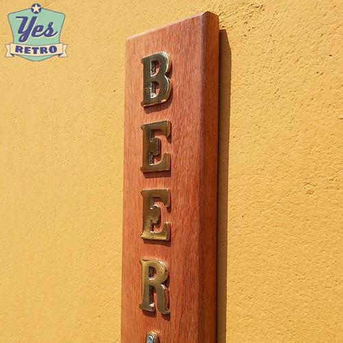 abridor garrafa parede madeira e metal área gourmet lazer