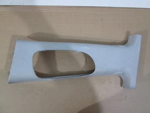 acabamento moldura coluna focus 98/09 lado esquerdo 3635