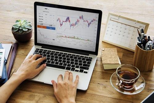 academia y entrenamiento dirigido de trading