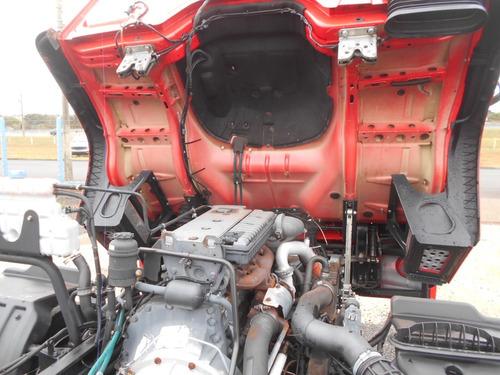 accelo 915c 2012 6x2 chassi itália caminhões