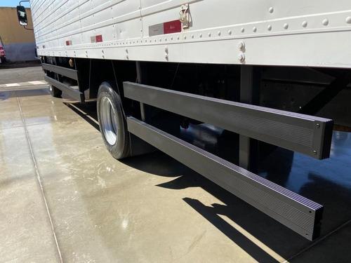accelo 915c caminhão mercedes benz  2011   baú de 6,5 mts