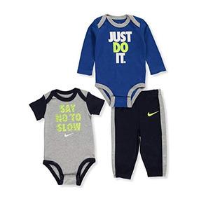 e56c71b8f Nike Baby Boys  3-piece Layette Set. Bogotá D.C. · Juego Nike 3 Piezas Para  Bebés