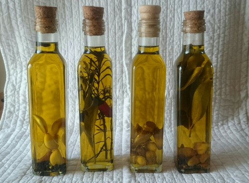 aceite de oliva con especies aromatizada