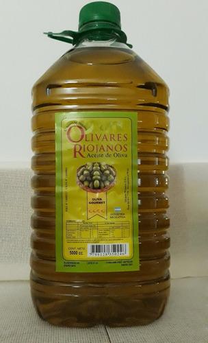 aceite de oliva extra virgen en bidon 5 litros .