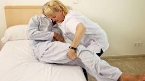 acompañante de enfermos por hora, semana, mes