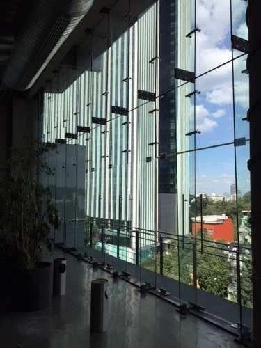 acondicionado mezzanine con 354 m2,  piso 1 con 401 m2  ural