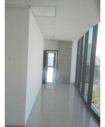 acondicionado piso 18 con 836 m2  reflatino