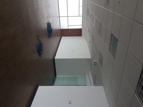 acondicionado, piso 2 con 648 m2, piso 22 con 762 m2 punta