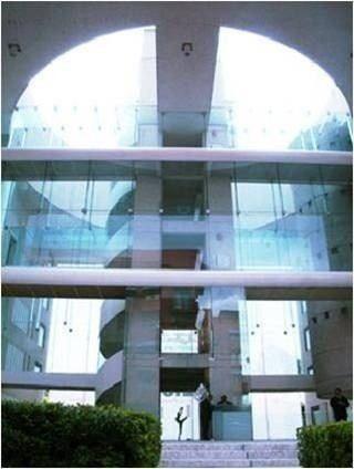 acondicionado , piso 3 con 120 m2 vision