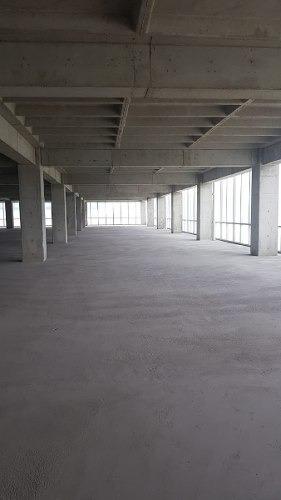 acondicionado piso 3 con 2000 m2 centrumpark