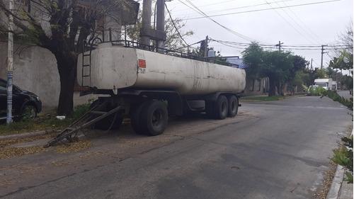 acoplado tanque