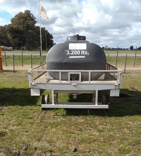 acoplado tanque para apoyo abastecimiento de pulverizador.