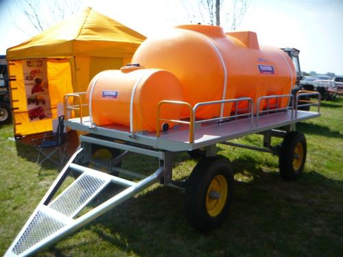 acoplado tanque plastrong con tanque adicional