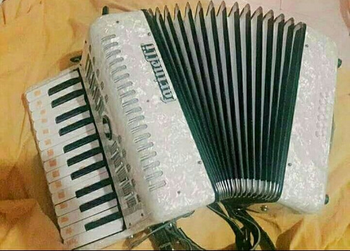 acordeon farinelli 25 teclas