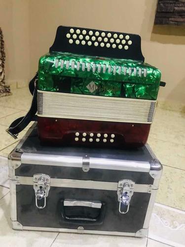 acordeon mirage de botones (tono sol)