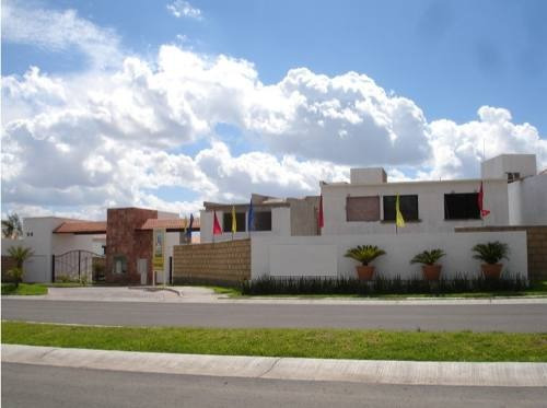 acr/ hermosa casa en venta en juriquilla santa fe