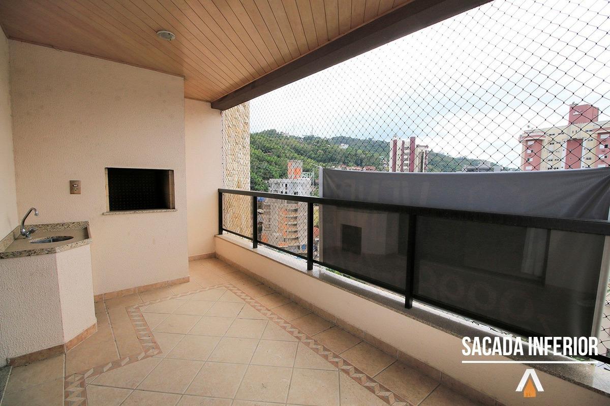 acrc imóveis - apartamento duplex localizado no bairro ponta aguda, com 04 dorm. sendo 03 suítes e 01 com closet e 03 vagas de garagem. - ap02042 - 33403517