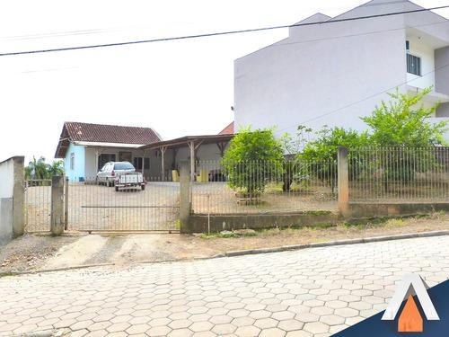 acrc imóveis - casa com 02 dormitórios sendo 01 suíte e 02 vagas de garagem - ca00939 - 33770927