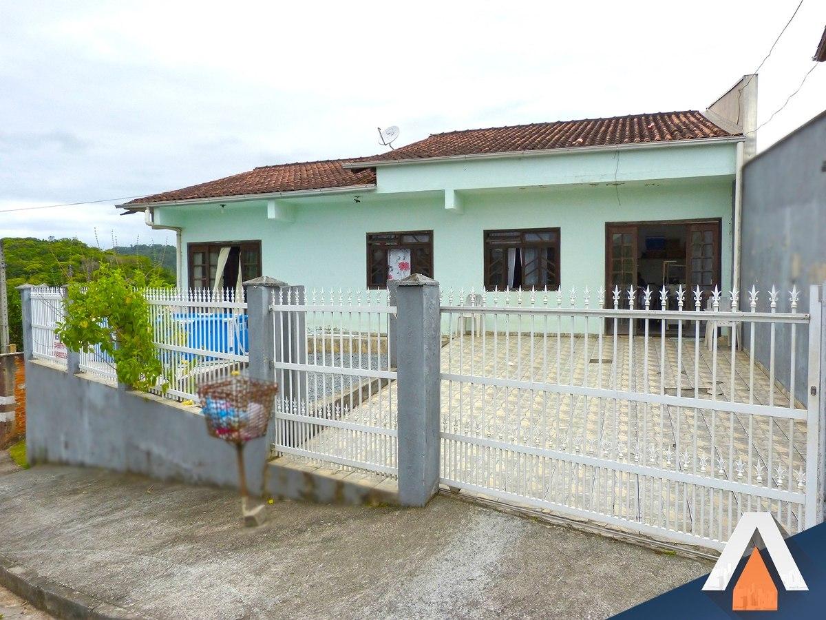 acrc imóveis - casa à venda com 03 dormitórios e amplo terreno - ca00799 - 33422910