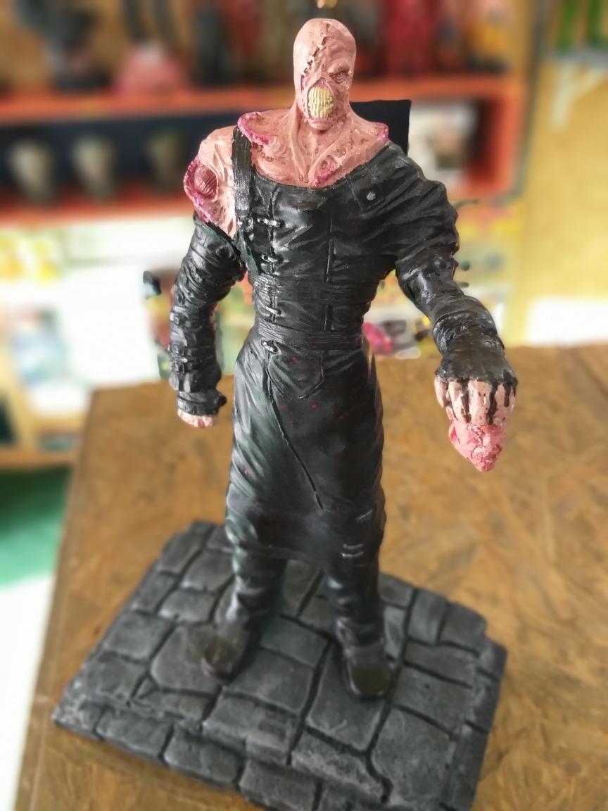 Action Figure Resident Evil 3 Nemesis Resina R 179 00 Em