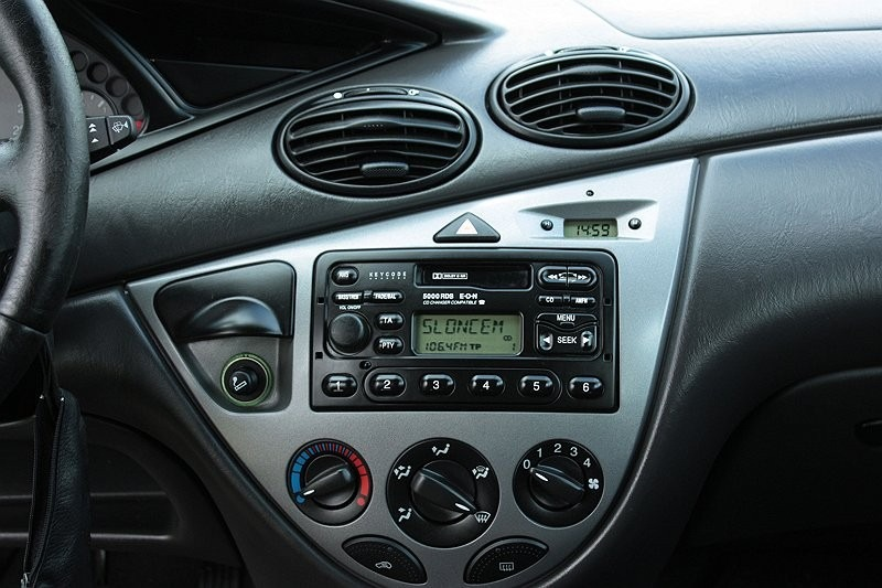 adaptador de radio para tablero ford fiesta focus 1din. Black Bedroom Furniture Sets. Home Design Ideas