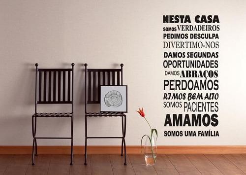 adesivo decorativo frases nesta casa, sala, copa, quarto,box