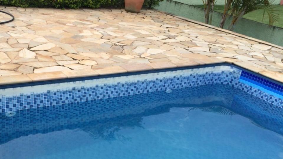 Adesivo vin lico de cobertura e prote o p borda d piscina r 15 99 em mercado livre - Material para piscinas ...