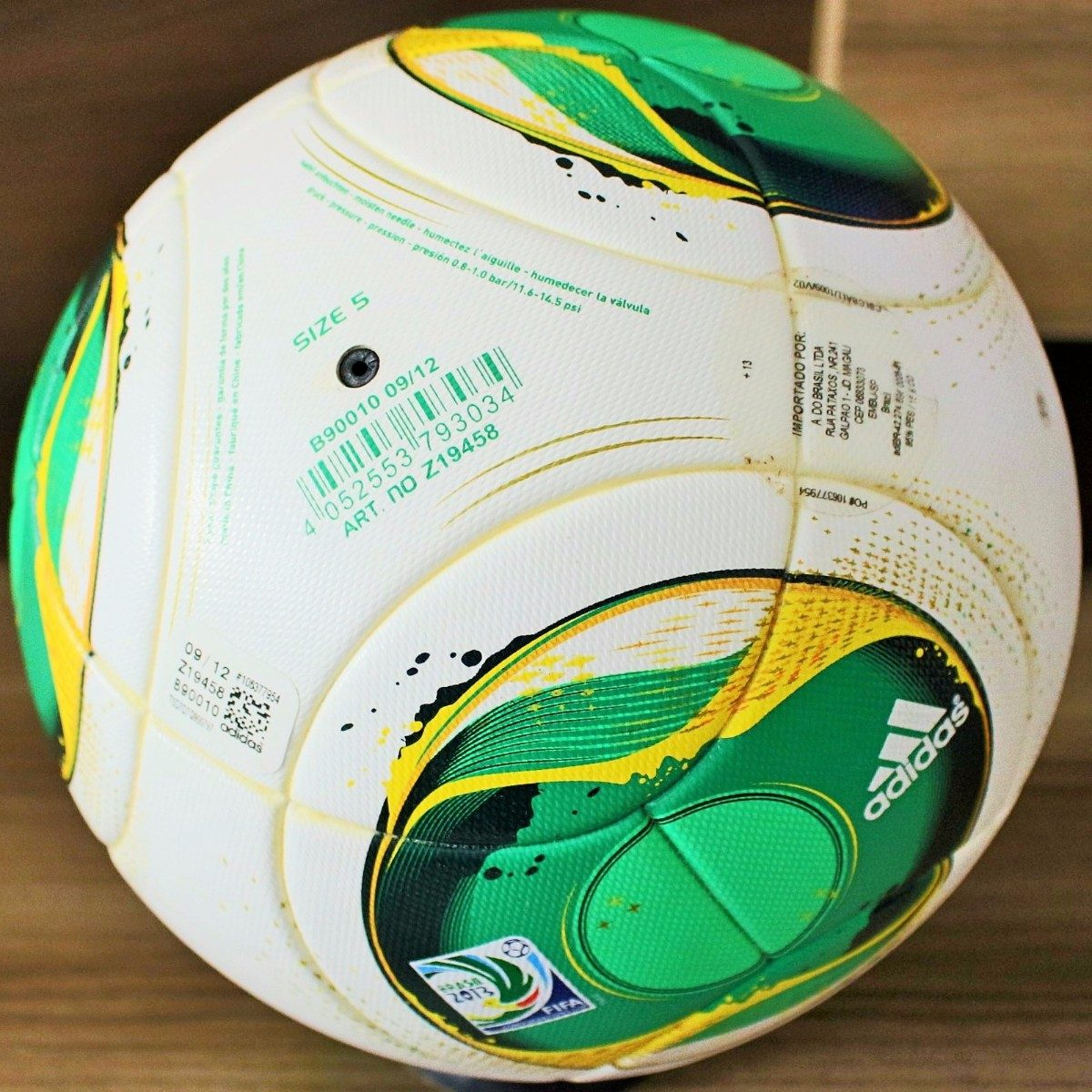 Carregando zoom... bola adidas cafusa oficial da copa das confederações 2013 a8a17467ee8ea